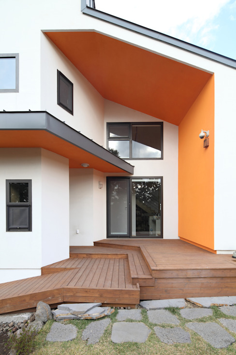 Коридор, прихожая и лестница в модерн стиле от 주택설계전문 디자인그룹 홈스타일토토 Модерн