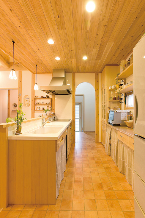 Eclectic style kitchen by 株式会社粋の家 Eclectic