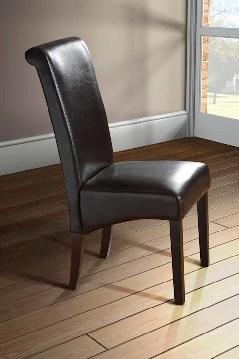 Milano Brown Scroll Back Leather Dining Chair with Dark Legs di homify Classico