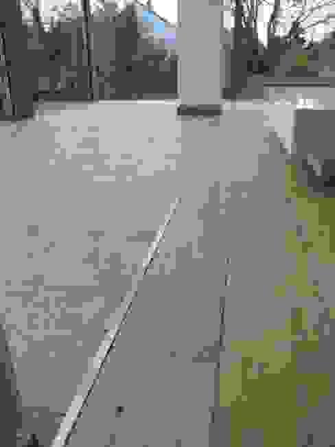 Parkettboden in französischer Eiche Wände & Böden im Landhausstil von homify Landhaus