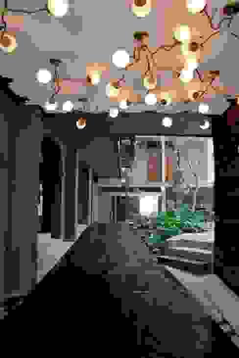 Flor de Mayo Hotel & Restaurant Pasillos, vestíbulos y escaleras modernos de Elías Arquitectura Moderno