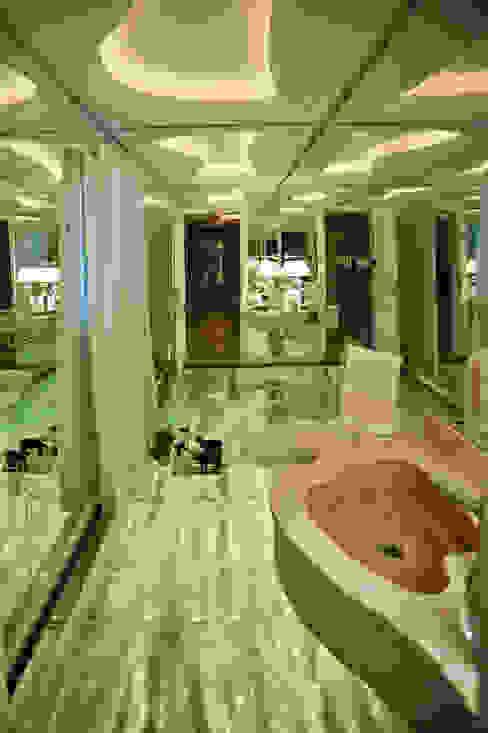 Ousado! Banheiros modernos por Paulinho Peres Group Moderno