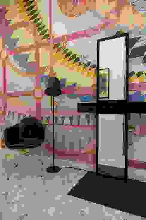 Pasillos y vestíbulos de estilo  de J.Design, Moderno