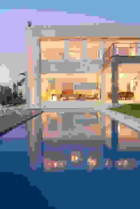 Minimalist house by Ramirez Arquitectura Minimalist Stone