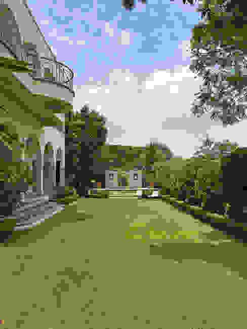 Jardin principal con fuente Jardines clásicos de Terra Clásico