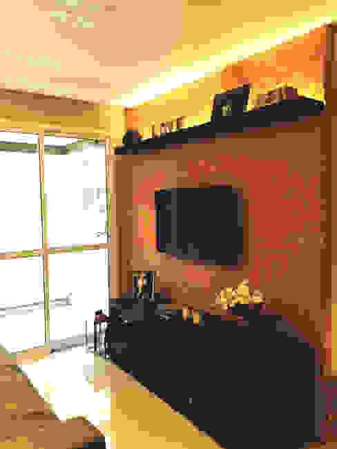 Sala de Estar Salas de estar rústicas por Suelen Kuss Arquitetura e Interiores Rústico Tijolo