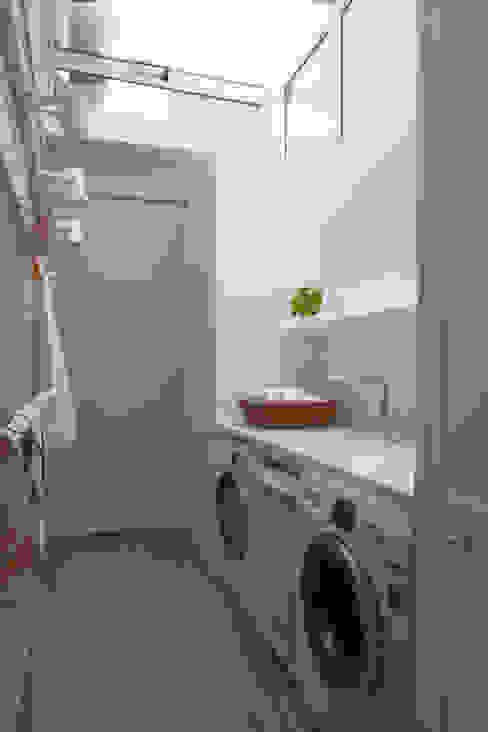 Lavadero Cocinas eclécticas de DEULONDER arquitectura domestica Ecléctico