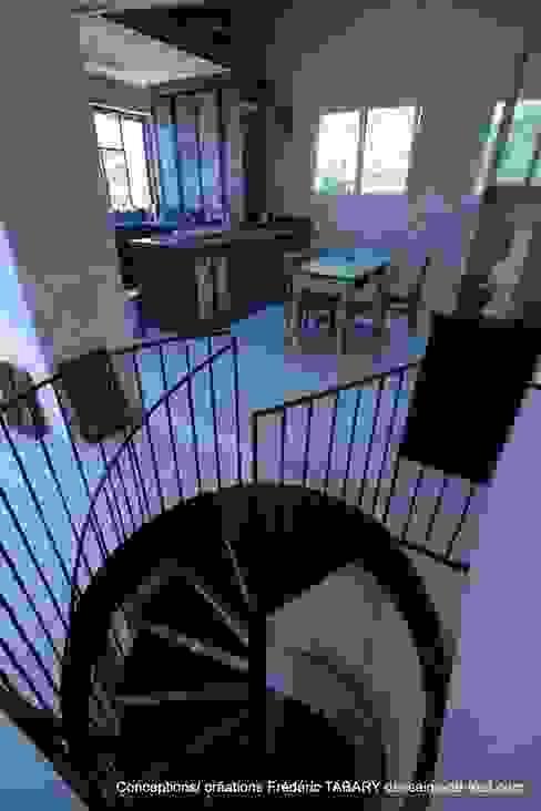 Escaliers en Colimaçon Couloir, entrée, escaliers industriels par Frédéric TABARY Industriel Métal