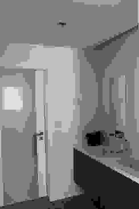 casa de banho . suite Casas de banho modernas por Getin - Architecture and Interior design Moderno