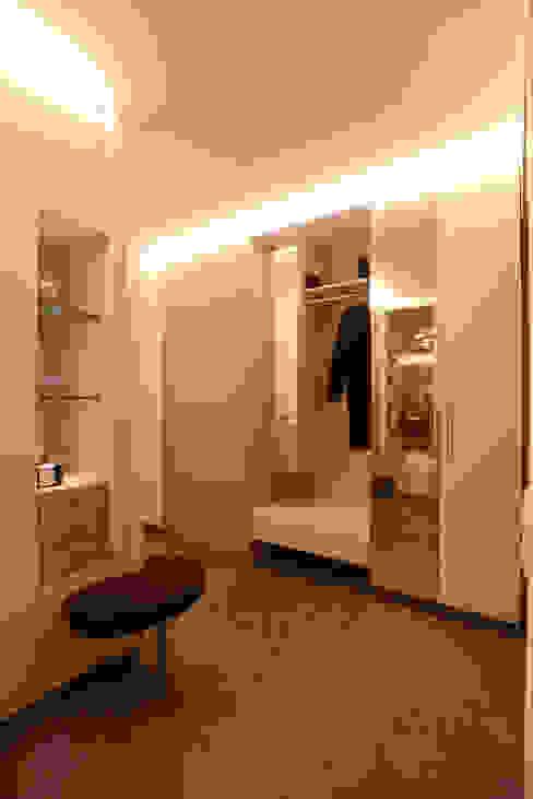 Innengestaltung eines Neubaus Moderne Ankleidezimmer von Horst Steiner Innenarchitektur Modern