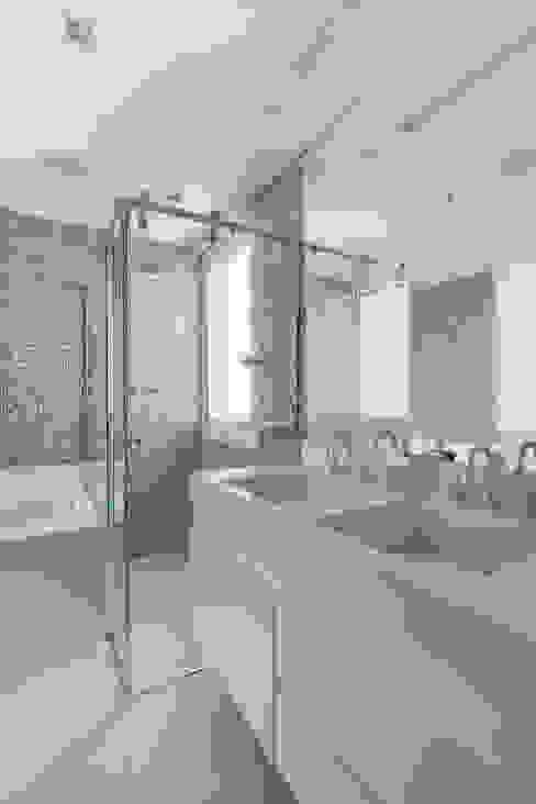 Baños modernos de Cactus Arquitetura e Urbanismo Moderno
