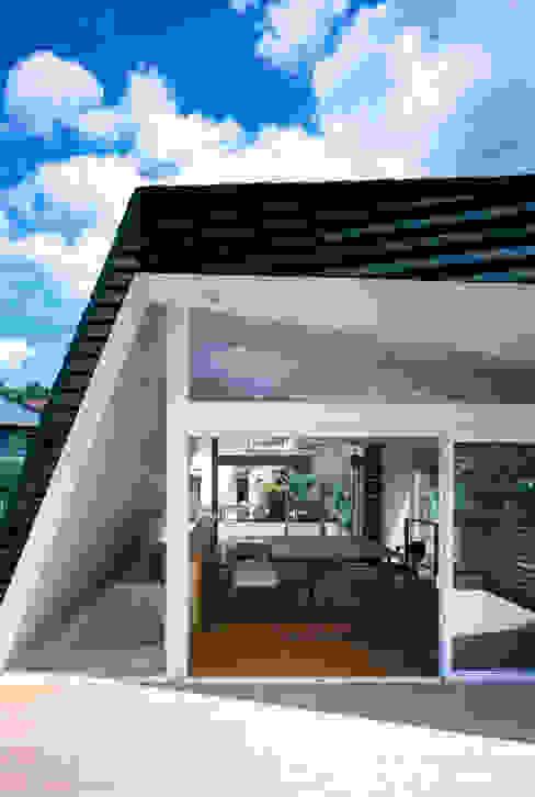 根據 向山建築設計事務所 現代風 木頭 Wood effect