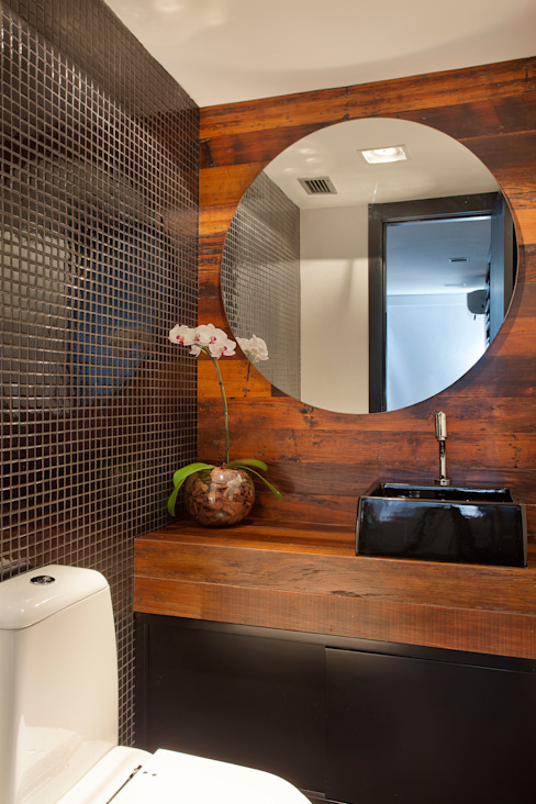 Modern Bathroom by ASP Arquitetura Modern