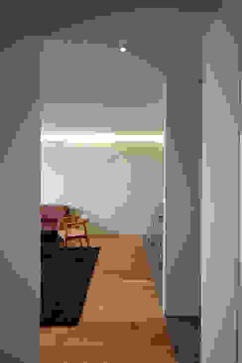 mom's house: 건축사사무소 moldproject의  거실,모던 우드 우드 그레인