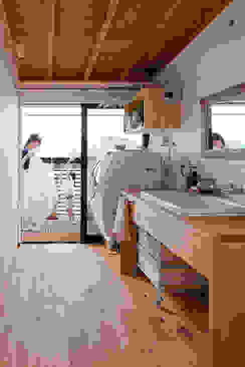 テレコハウス 藤森大作建築設計事務所 オリジナルスタイルの お風呂
