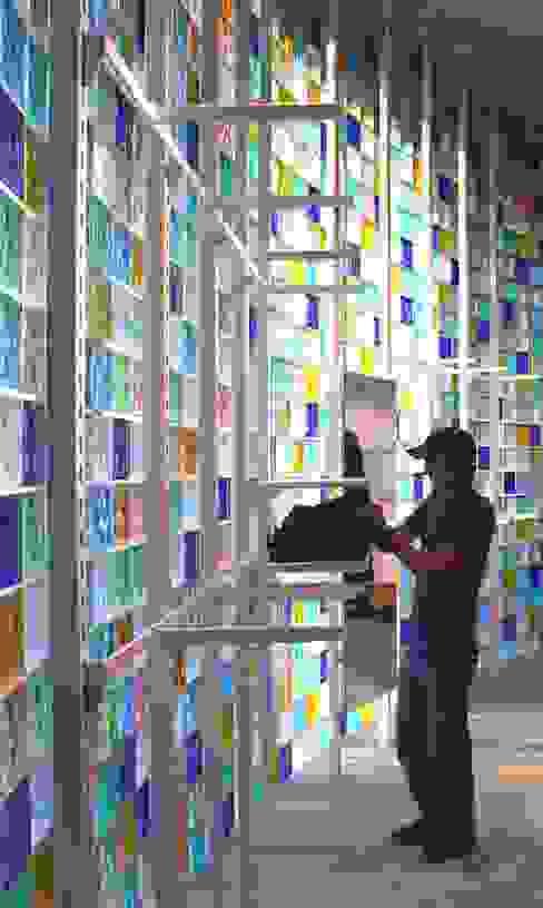 Galerías y espacios comerciales de estilo moderno de tritschler glasundform Moderno Vidrio