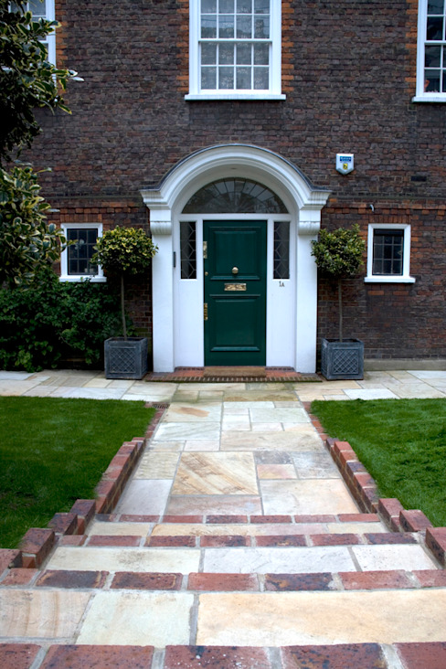 Front Garden Dessign West London Classic style garden by Earth Designs Classic Sandstone