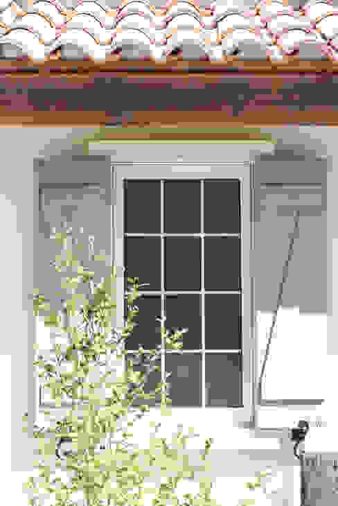 Windows & doors  by 株式会社アートカフェ,