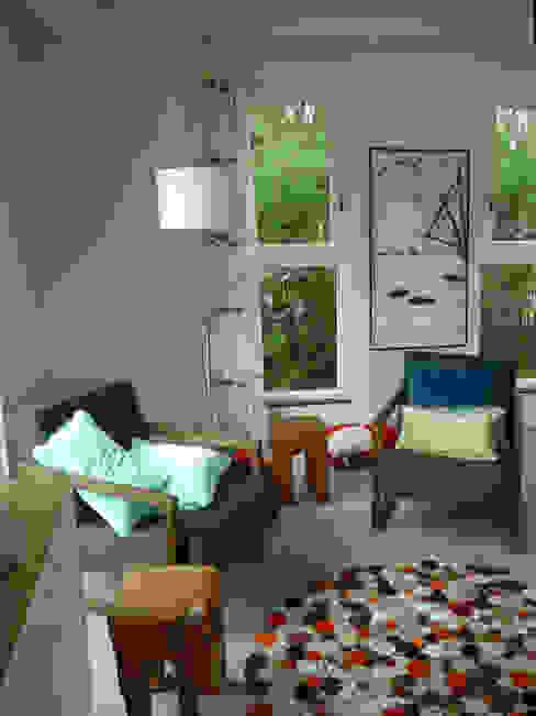 Wiejski salon od Architectenbureau Rutten van der Weijden Wiejski
