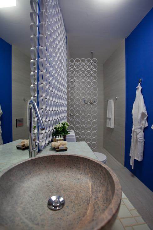BANHO DA SUÍTE DO HOTEL BOUTIQUE - Morar Mais por Menos BH 2012 Anna de Matos - Designer de Ambientes e Paisagismo Banheiros modernos Azul