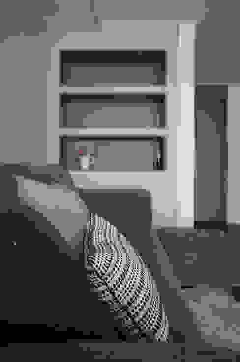 33평형 모던 아파트 인테리어: 마르멜로디자인컴퍼니의  거실,모던