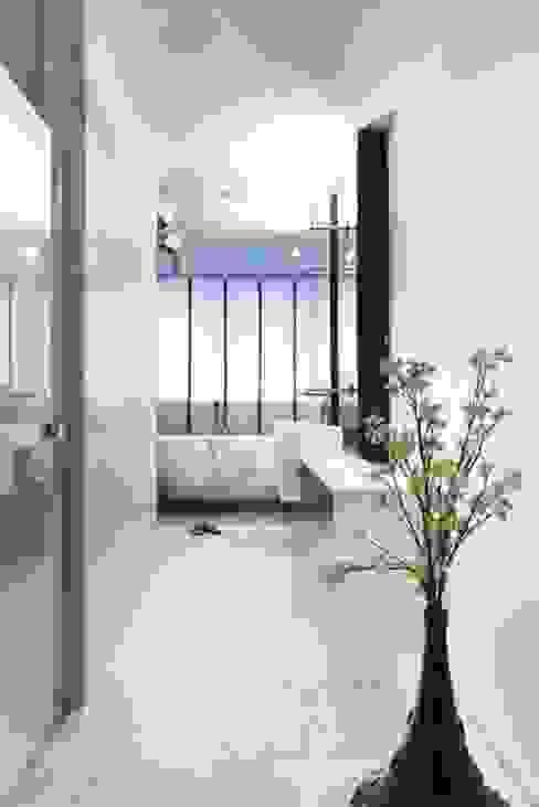 Badruimte Moderne badkamers van SMEELE Ontwerpt & Realiseert Modern