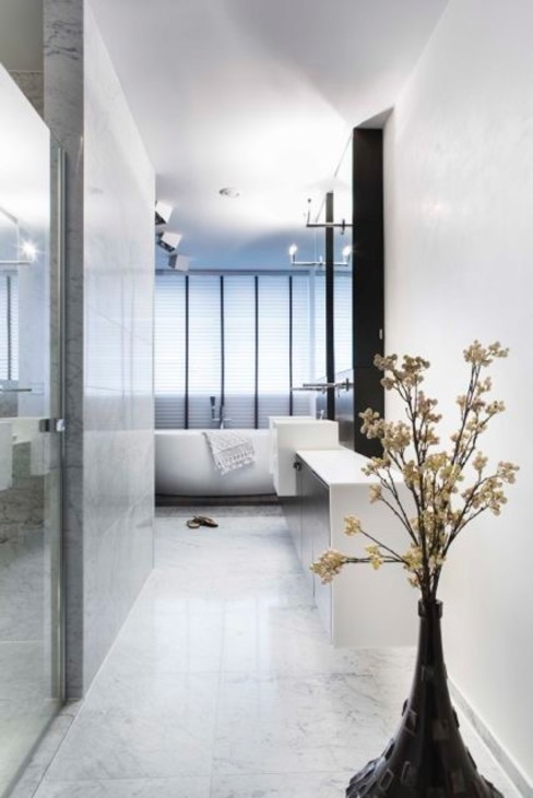 Bagno moderno di SMEELE Ontwerpt & Realiseert Moderno