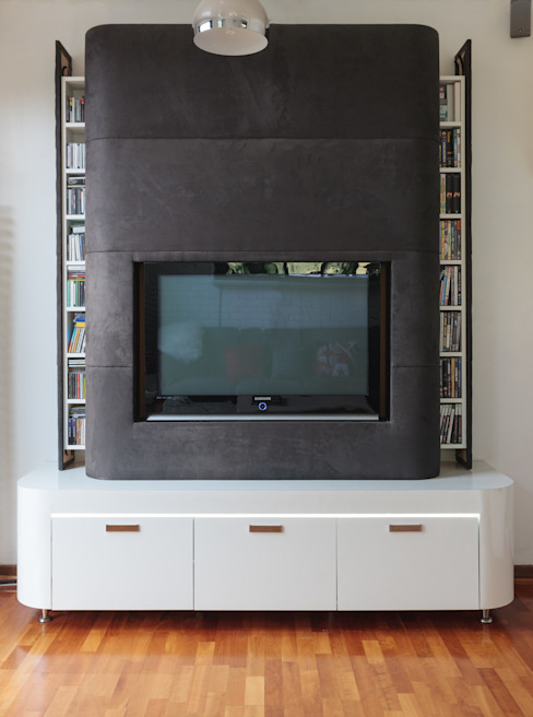 Chiswick Quay Modern living room by Rousseau Modern