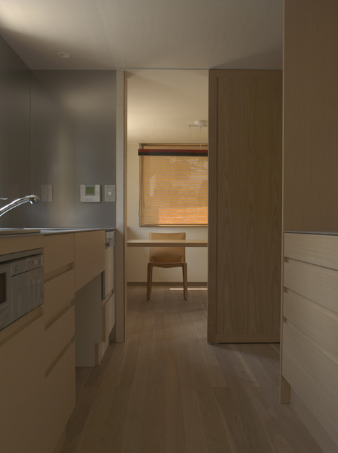 Modern Kitchen by 株式会社コヤマアトリエ一級建築士事務所 Modern