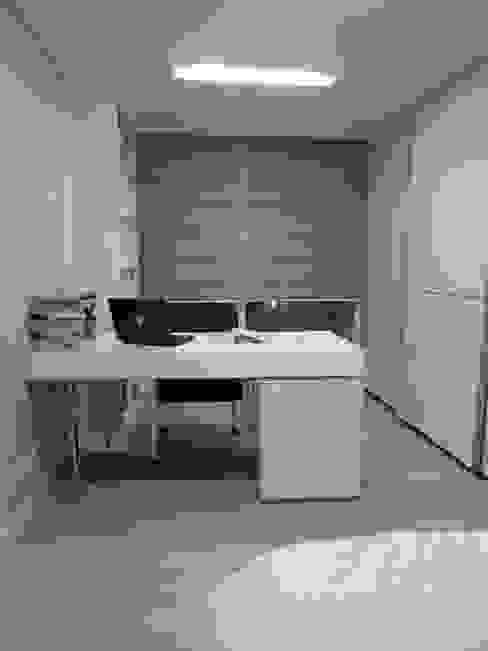 실용적인 수납과 공간활용 32py 모던스타일 아이방 by 홍예디자인 모던