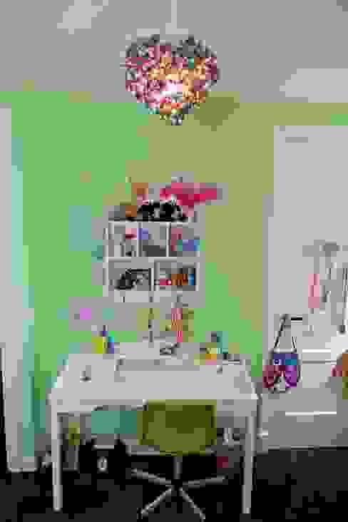 Bureau meisjeskamer Moderne kinderkamers van Aangenaam Interieuradvies Modern