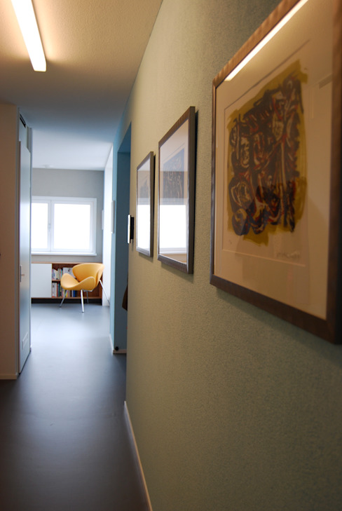 Penthouse Amsterdam Moderne gangen, hallen & trappenhuizen van homify Modern