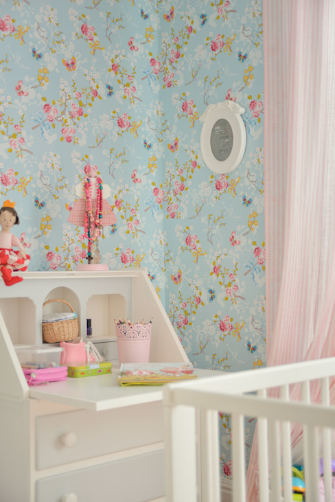 Girls Bedroom by LAVRADIO DESIGN,