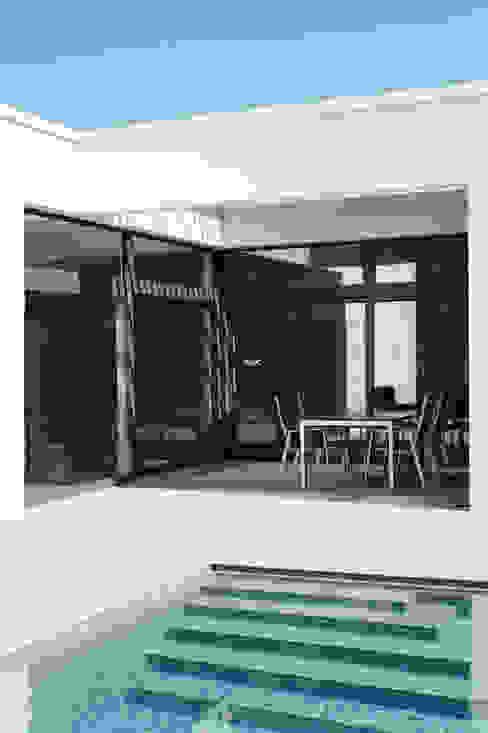 Balcones y terrazas de estilo clásico de x42 Architektur ZT GmbH Clásico