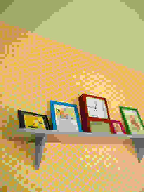 レトロポップな家 トロピカルデザインの 多目的室 の パパママハウス株式会社 トロピカル