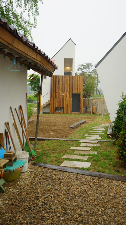 건축사사무소 스무숲 Moderne Häuser Weiß