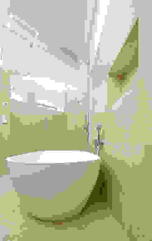 Modern Banyo dietrich + lang architekten Modern