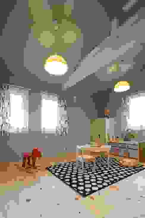 Kamar Bayi & Anak oleh dwarf, Skandinavia