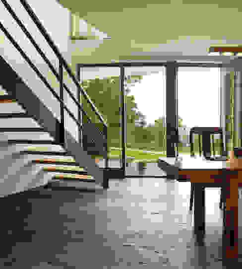 Oficinas de estilo moderno de K2 Architekten GbR Moderno Pizarra