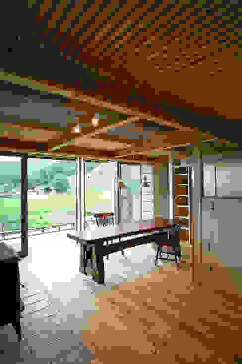 ひなたぼっこ オリジナルデザインの リビング の 尾日向辰文建築設計事務所 オリジナル