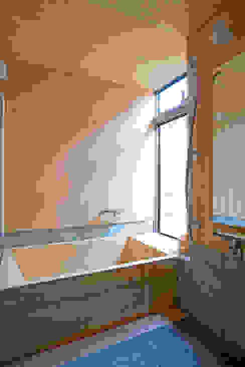 伝統構法で造る土壁の家 オリジナルスタイルの お風呂 の 尾日向辰文建築設計事務所 オリジナル