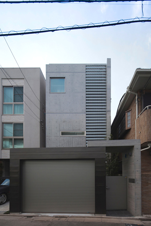 U建築設計室 Modern houses Reinforced concrete Grey