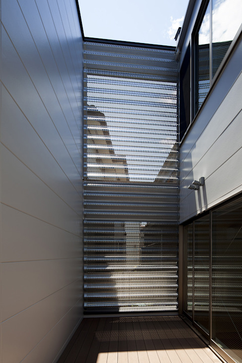 鶴見の家 ミニマルデザインの テラス の U建築設計室 ミニマル