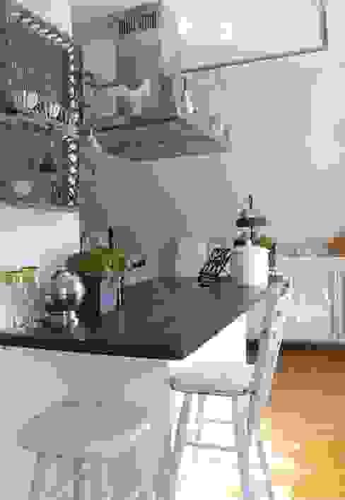 Кухня в стиле кантри от Me & Harmony Кантри