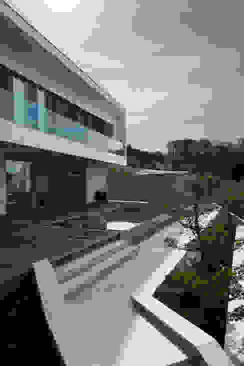 Haus P Moderner Balkon, Veranda & Terrasse von Anthrazitarchitekten Modern