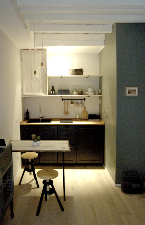 The Studio. (Design in 15mq ) Cucina in stile scandinavo di Moodern Scandinavo