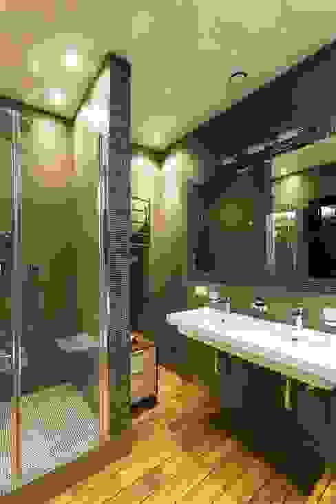 Baños modernos de Дизайн-бюро'Гармония' Moderno