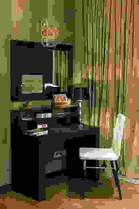 Из Москвы в Санкт-Петербург , 2012 год реализации. Спальня в стиле модерн от Дизайн-бюро'Гармония' Модерн