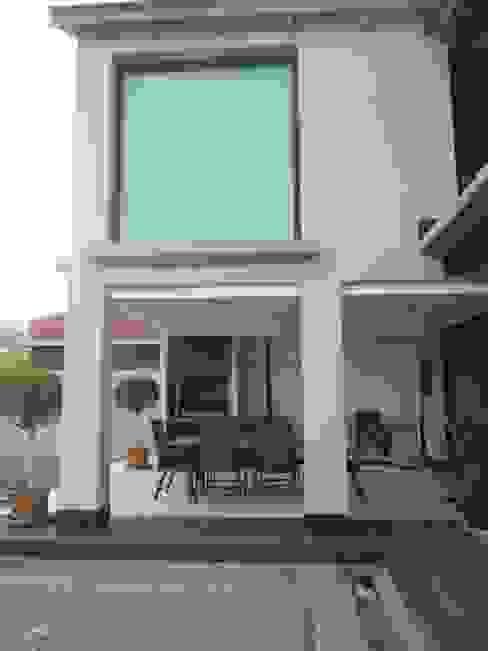 Vivienda Campo Golf en la isla de Gran Canaria Casas de estilo moderno de MIRTA CASTIGNANI ARQUITECTA Moderno