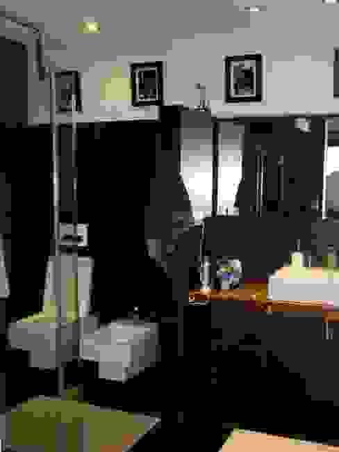 Casas de banho  por MIRTA CASTIGNANI ARQUITECTA
